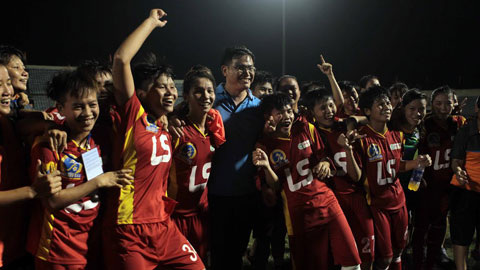 Chùm ảnh đội nữ TP.HCM đăng quang giải VĐQG nữ Thái Sơn Bắc 2015