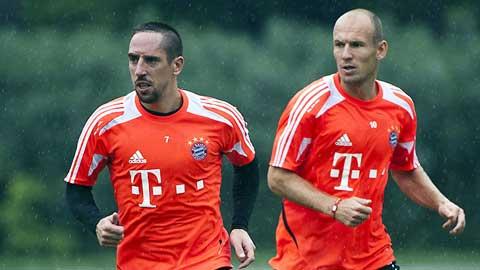 Douglas Costa có thể thay cả Ribery lẫn Robben