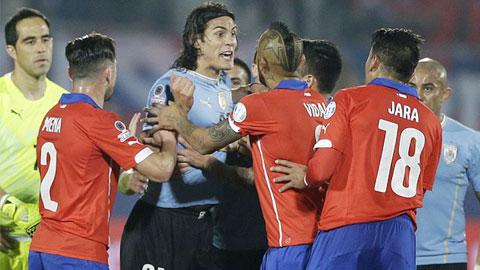 Jara bị treo giò 3 trận và bị tố thêm có lời lẽ đe doạ Cavani