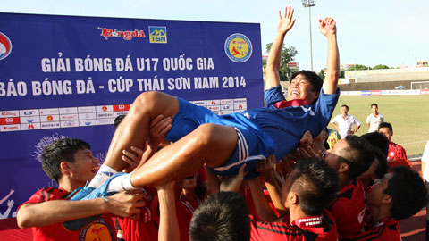 HLV Trần Minh Chiến: 'Giải U17 luôn đọng lại trong tôi nhiều cảm xúc!'