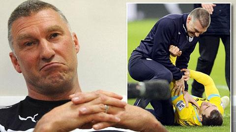 'Người hùng' Pearson bất ngờ bị Leicester sa thải