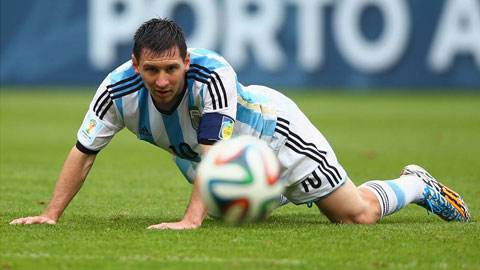 Enrique lại đau đầu vì Messi