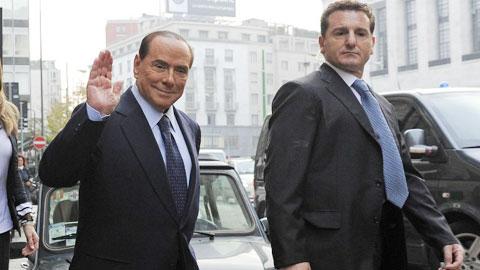 Berlusconi chuẩn bị ra vành móng ngựa