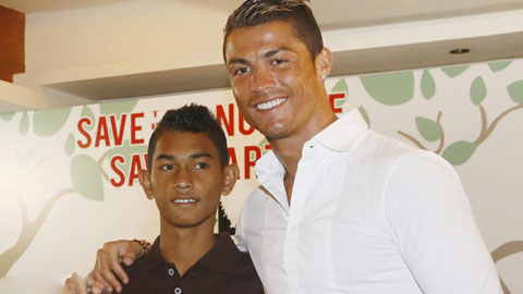 Fan Indo tiếp bước Ronaldo