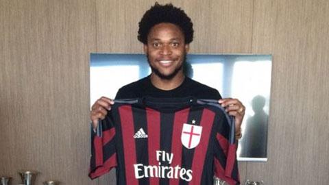 Sau Bacca, Milan đón tiếp Luiz Adriano