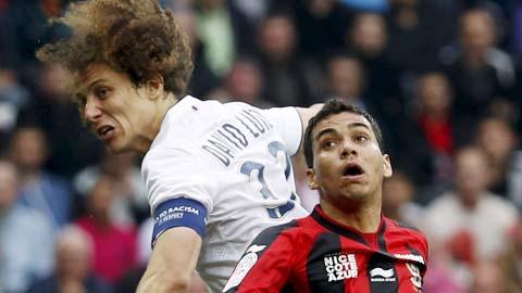 Khi PSG chơi dao…