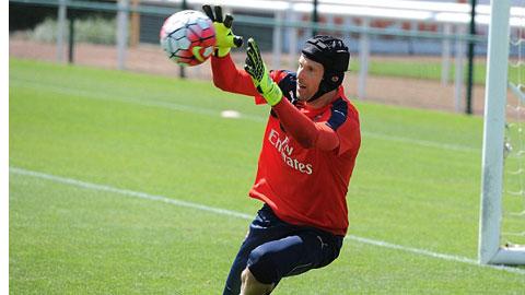 Vì sao Cech chọn áo số 33 ở Arsenal?