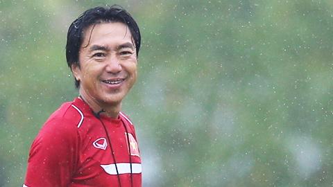 HLV Miura gọi ít cầu thủ nhất có thể cho trận gặp Man City