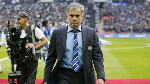 Chelsea hời hợt trên TTCN: Mourinho bắt đầu cáu