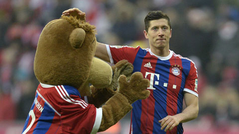 Lewandowski bóng gió rời Bayern