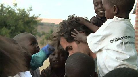 Roger Federer bị 'đè đầu cưỡi cổ' ở Malawi