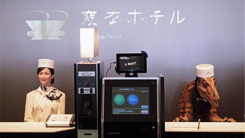 Khách sạn robot đầu tiên trên thế giới đón khách bằng… khủng long