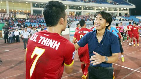 HLV Miura và con bài tẩy Hoàng Thịnh ở trận gặp Man City