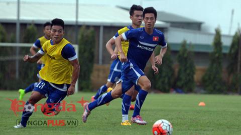 ĐT Việt Nam tập hăng say trước trận gặp Man City