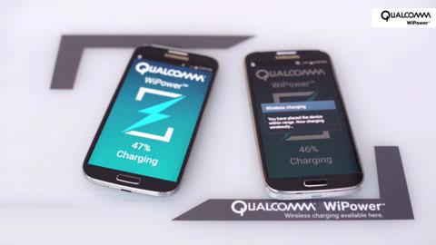 Smartphone vỏ kim loại dùng sạc pin không dây nào?