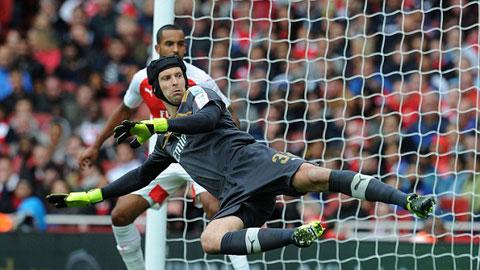 Trước trận Siêu cúp Anh Arsenal vs Chelsea: Gạch nối Petr Cech