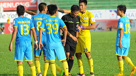 ĐT.LA 2-0 Sanna Khánh Hòa: Đội khách bất lực