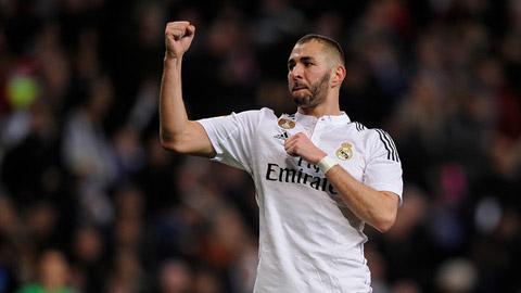 Benzema sẽ là 'vật tế thần' của Real Hè này?