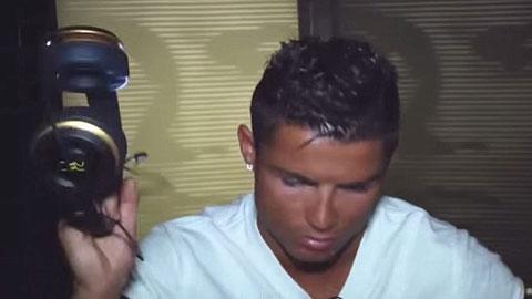 Ronaldo văng tục khi nói về FIFA