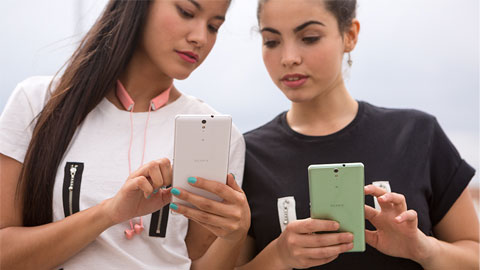 Xperia C5 Ultra và Xperia M5: Smartphone đầu tiên có camera selfie 13MP