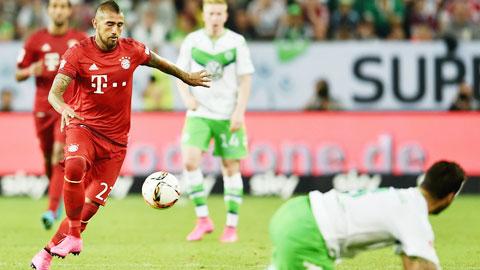 Hàng tiền vệ Bayern: Có Vidal, sao phải dùng Alonso?