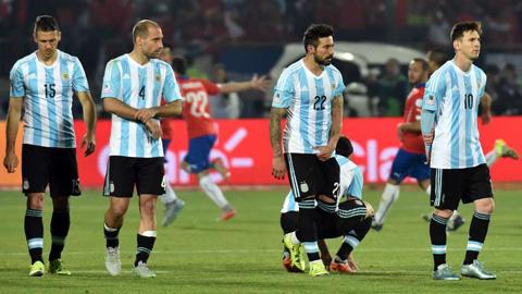 BXH FIFA tháng 8/2015: Argentina lại dẫn đầu, Việt Nam tụt 10 bậc