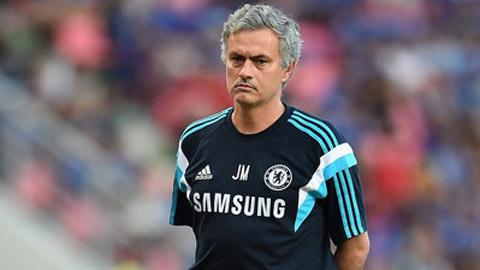 Mourinho thừa nhận Chelsea gặp nguy vì không chịu chuyển nhượng