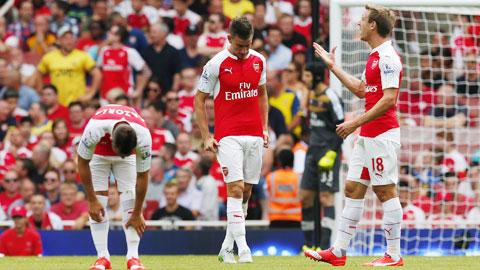 Arsenal ra quân đầy thất vọng: Trận thua xua đi ảo tưởng