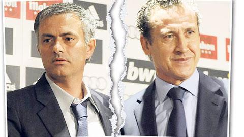 """""""Nội chiến"""" không hề mới với Jose Mourinho"""