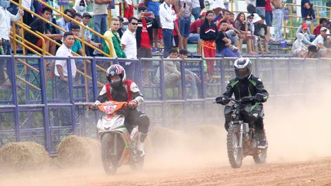 Giải đua mô tô huyền thoại trên đường đất tại TP.HCM đã trở lại