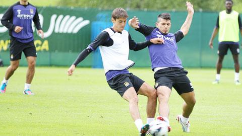 Aguero đang làm mọi thứ để kịp ra sân trong đại chiến với Chelsea