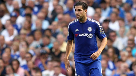 Góc chuyên gia: Fabregas không thể đá tiền vệ phòng ngự