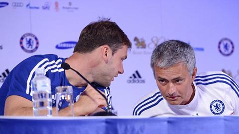 HLV Mourinho cân nhắc để Ivanovic dự bị ở lượt trận thứ 3 Ngoại hạng Anh