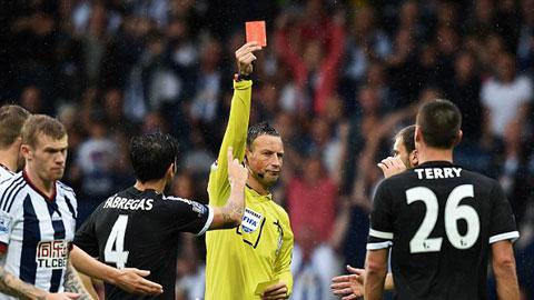 HLV Mourinho: Kháng án cho thẻ đỏ của Terry chỉ mất thời gian