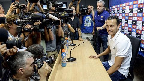 Pedro trở lại Barca tri ân và tạm biệt các đồng đội