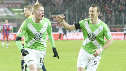 """Bundesliga bị """"rút ruột"""" Hè này"""