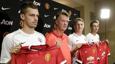 Sự hoán đổi vị thế của Man United và Man City: Lý lẽ của kẻ điên