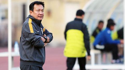 """HLV Hoàng Văn Phúc (QNK Quảng Nam): """"Lứa U19 hiện tại sẽ tiến xa nếu được đầu tư tốt!"""""""