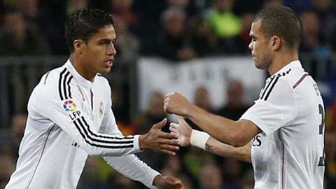 Hàng thủ Real: Đã tới lúc Varane phế truất Pepe