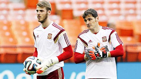HLV Bosque bật mí: De Gea bắt chính thay Casillas