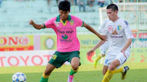 U19 Việt Nam: Kỷ lục gia V.League tập trung muộn