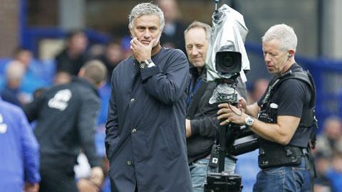 Góc nhìn: Mourinho nên nghĩ đến chuyện lại bị Chelsea sa thải