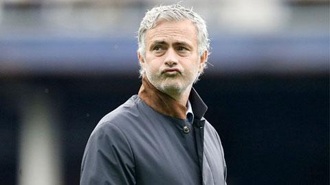 Mọi thứ đều đang chống lại Mourinho ở Chelsea