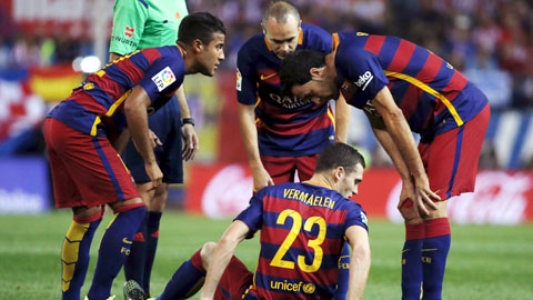 Thomas Vermaelen chấn thương, Barca có nguy cơ hết hậu vệ