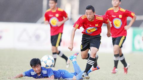 V.Ninh Bình bất ngờ trở lại làm bóng đá