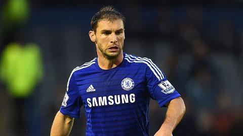 HLV Mourinho đang tìm người thay thế Ivanovic ở Chelsea