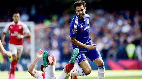 Chấm điểm Chelsea 2-0 Arsenal: Fabregas rực sáng, Paulista & Oezil gây thất vọng