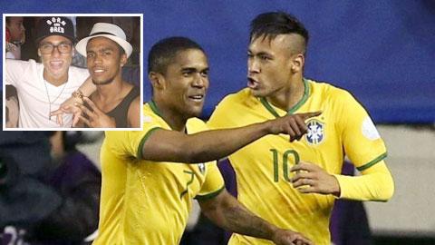 Neymar muốn Douglas Costa làm em rể