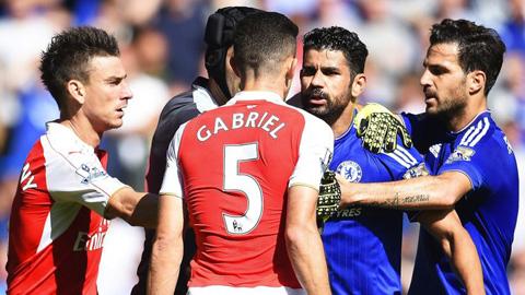 Mourinho 'đá xoáy' FA vì xóa án cho Gabriel Paulista