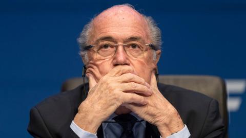 Sepp Blatter cam đoan không phạm pháp, từ chối thoái vị chủ tịch FIFA
